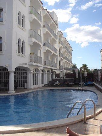 Costa Dorada, España: piscina dell'hotel
