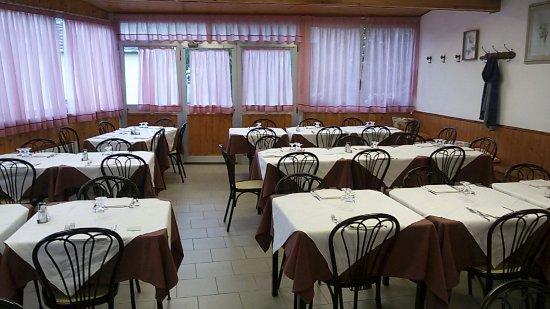 Trattoria Rossella: interno del locale
