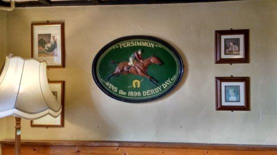 Congresbury, UK: Snug bar decorations