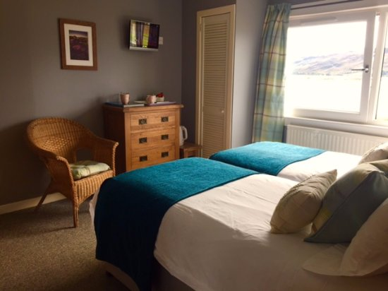 Lochcarron, UK: twin room with loch views