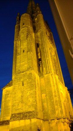 Hostellerie de Plaisance: ライトアップした尖塔