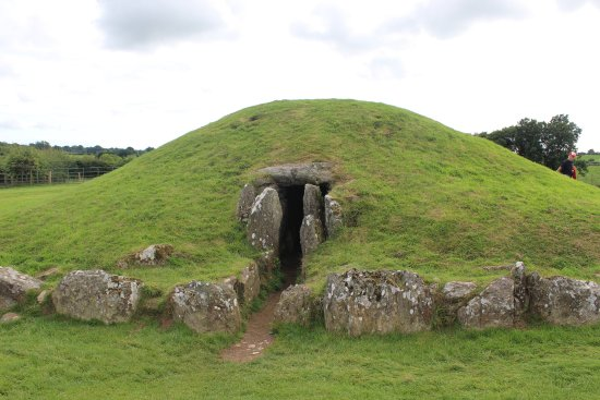 Gaerwen, UK: The burial mound (reconstructed)