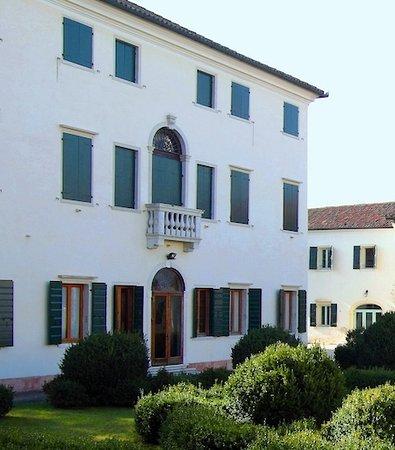 """Villa Bisacco-Palazzi """"Centro don Orione"""""""