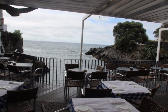Lagoa, Portugal: restaurantje met zeezicht
