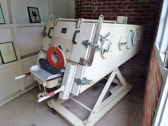 Henley-on-Thames, UK: Iron lung