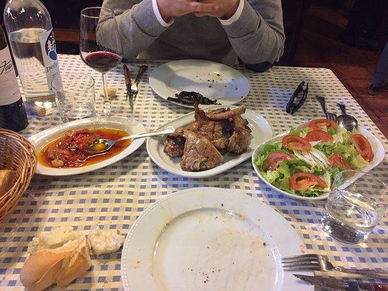 Tirgo, Espanha: Pimientos-Chuletillas-Ensalada