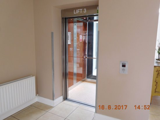 Lahinch Golf & Leisure Hotel: Lift to Rooms