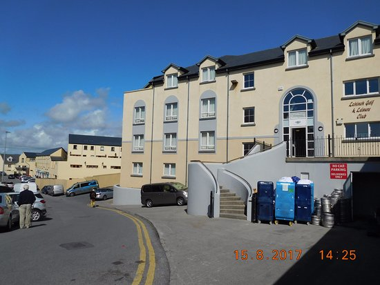 Lahinch Golf & Leisure Hotel: Exterior view of Leisure Centre