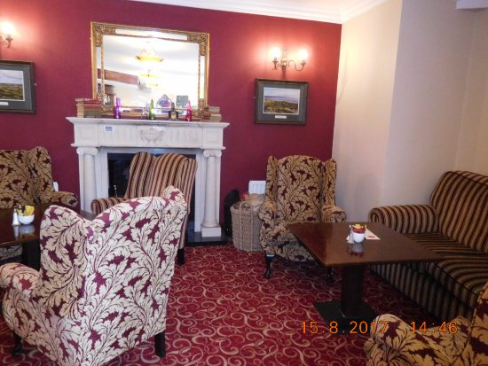 Lahinch Golf & Leisure Hotel: Resident Lounge