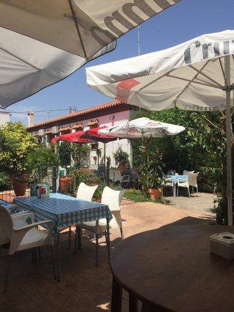 Restaurante chiringuito jard n prohibido en benalup casas for Restaurante casa jardin murcia
