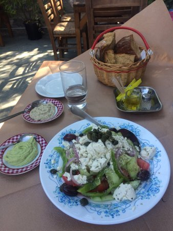 Poseidonia, Греция: Μέλυδρον Cafe - Μεζεδοπωλείο