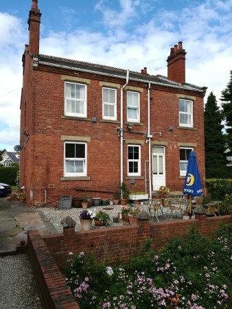 Knottingley, UK: Rear of property
