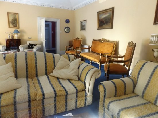 Walcot Bed and Breakfast: Sitting room 2