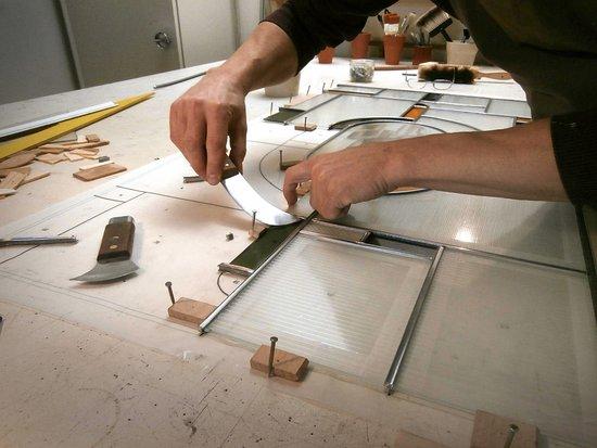 Fabrication d\'un vitrail de style Art Deco - Picture of L\'Artisan ...