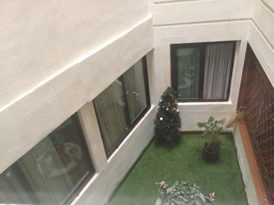 Aryo Barzan Hotel: photo0.jpg