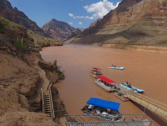 Hualapai River Runners: ラフティング中は撮れないので