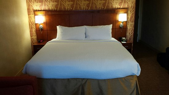 Herndon, VA: King size bed, very comfortable.