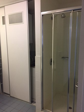 Shower enclosure and laundry equipment - Picture of Mantra on the ...