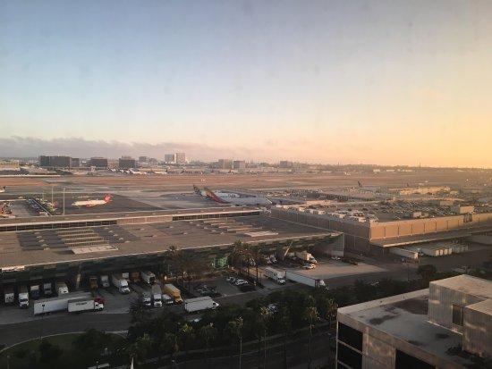 Hilton Los Angeles Airport: photo1.jpg