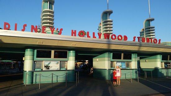 Disney's Hollywood Studios: 20170815_073420_large.jpg