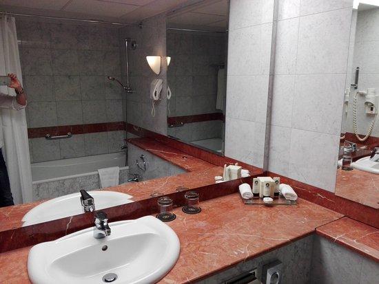 schones badezimmer, schönes badezimmer - picture of sofitel warsaw victoria hotel, Design ideen