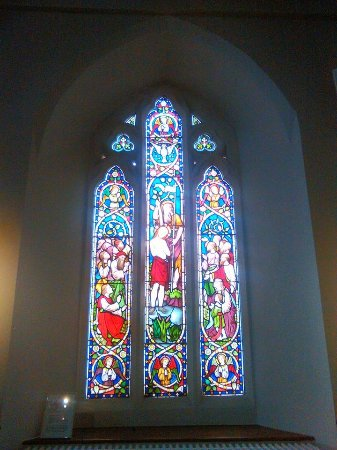 Kenmare, Irlanda: Stained glass window