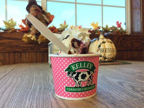 Fond du Lac, WI: Kelley Country Creamery