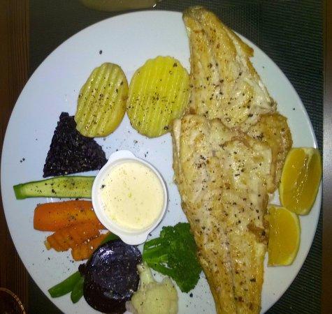Prima Restaurant Bar: Main Dish, Sea Bass Filet