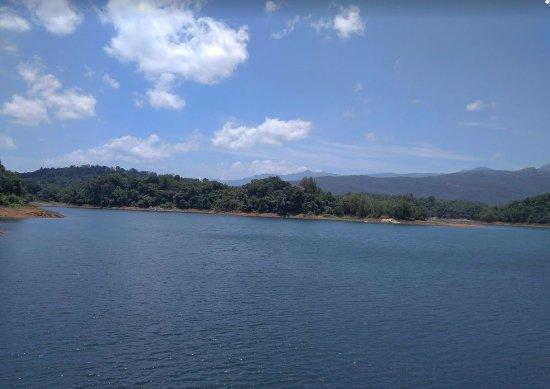Neyyar Wild Life Sanctuary: Dam with Water
