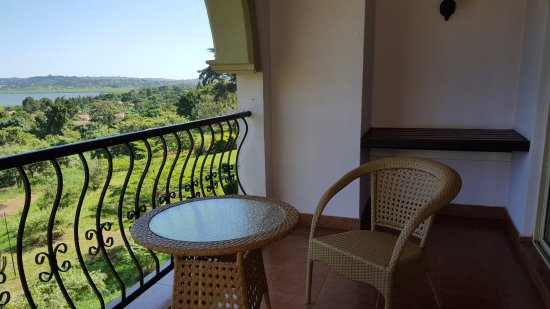 Lake Victoria Serena Golf Resort & Spa: Balcony with lovely views of Lake Victoria