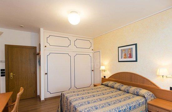 Camera Matromoniale al Raffaelli Park Hotel di forte dei Marmi, Versilia, Toscana