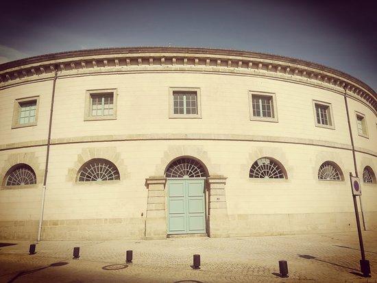 Alencon, فرنسا: Halle au Blé