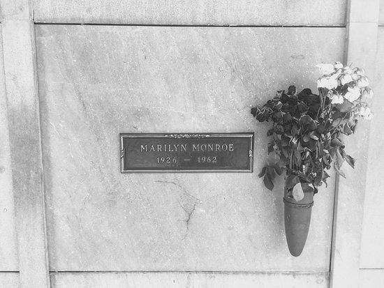 Pierce Brothers Westwood Village Memorial Park : photo6.jpg