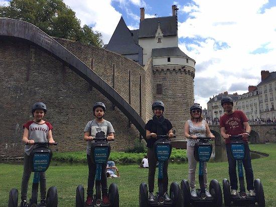 En famille à Segway pour visiter le Château de Nantes...