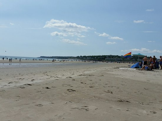 Ogunquit Beach: Looking towards the crowded part of the beach in the distance
