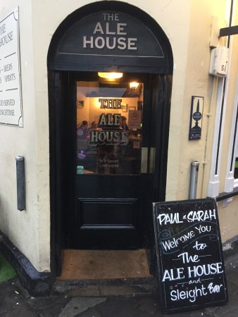 The Ale House: Front door