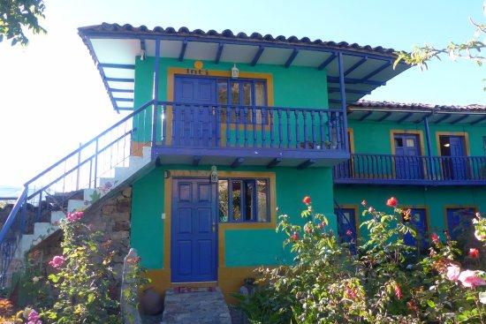 Chiquián, Perú: vanuit de binnentuin deel van de kamers zichtbaar