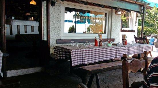 Nebbiuno, Italia: L'esterno del ristorante