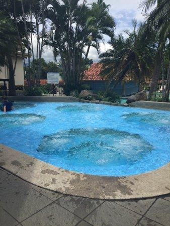 San Antonio De Belen, Costa Rica: pool and breakfast area