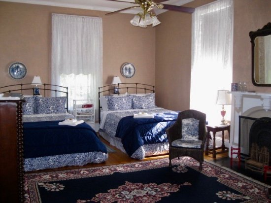 Owen Sound, Canada: The Moore Room ...see our website for a virtual tour.