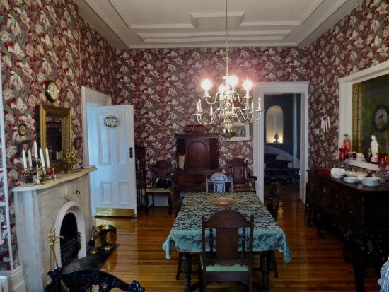 Owen Sound, Canada: The Formal Dining Room with seperate seating