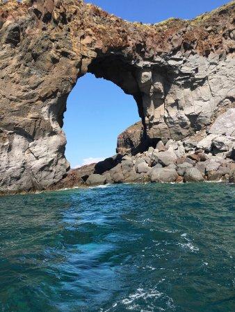 Санта-Марина-Салина, Италия: the Arch of Pollara