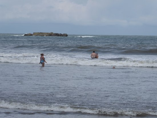 Ballena, Costa Rica: beach low tide