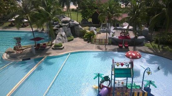 Resorts World Kijal: Pool and Kid's Playground