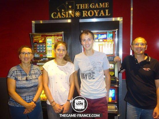 """The Game: Notre équipe sortant gagnant de l'escape game mission : """"Braquage au casino"""""""