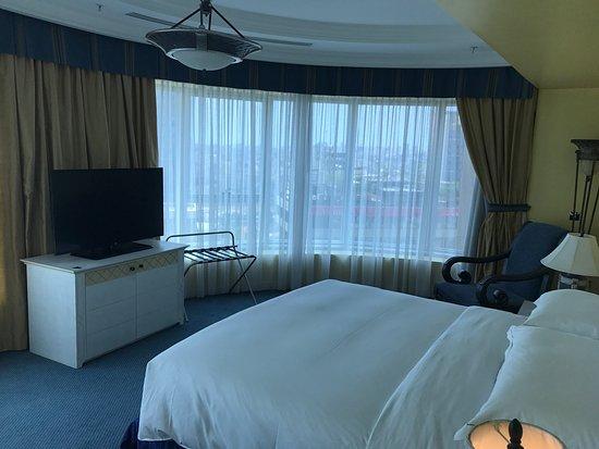 Hilton Beirut Habtoor Grand: photo1.jpg