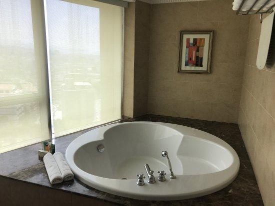Hilton Beirut Habtoor Grand: photo2.jpg