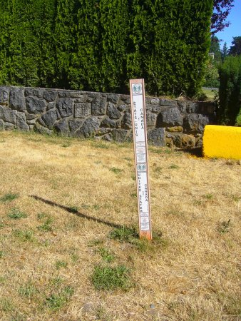 Point Roberts, WA: border marker in English & French