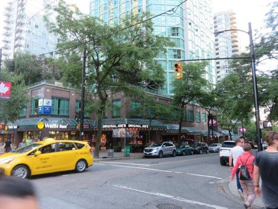 Rosedale on Robson: Hamilton at Robson Streets