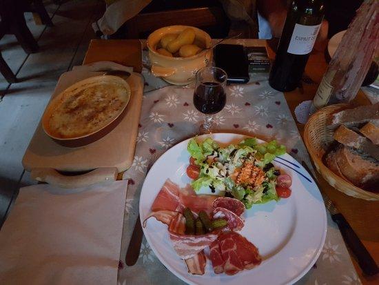 Pralognan-la-Vanoise, Francja: 20170818_201155_large.jpg